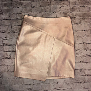 BOUTIQUE NWT METALLIC ROSE GOLD SKIRT SIZE M