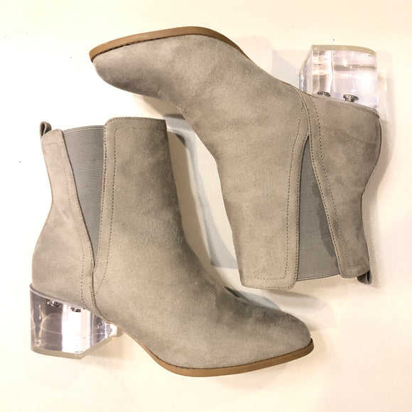 WILD DIVA Gray Clear Block Booties Size 8