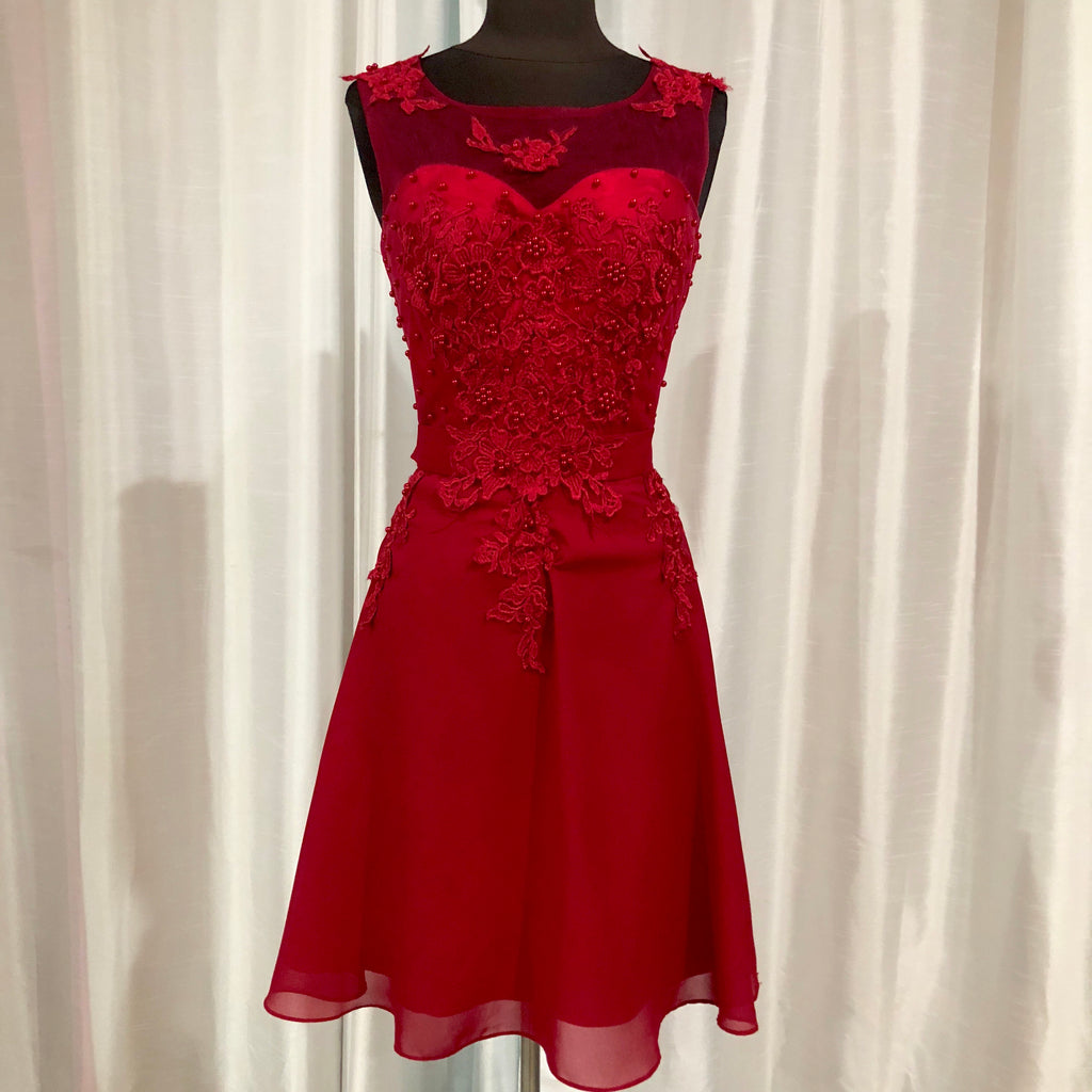 BOUTIQUE Short Red Gown Size 8