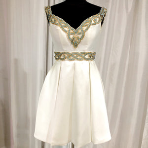 VIENNA Short White Satin Embellished Gown Size 4