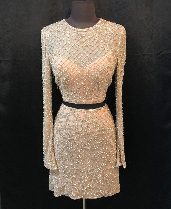 SHERRI HILL SHORT BLUSH TWO PIECE SIZE 8