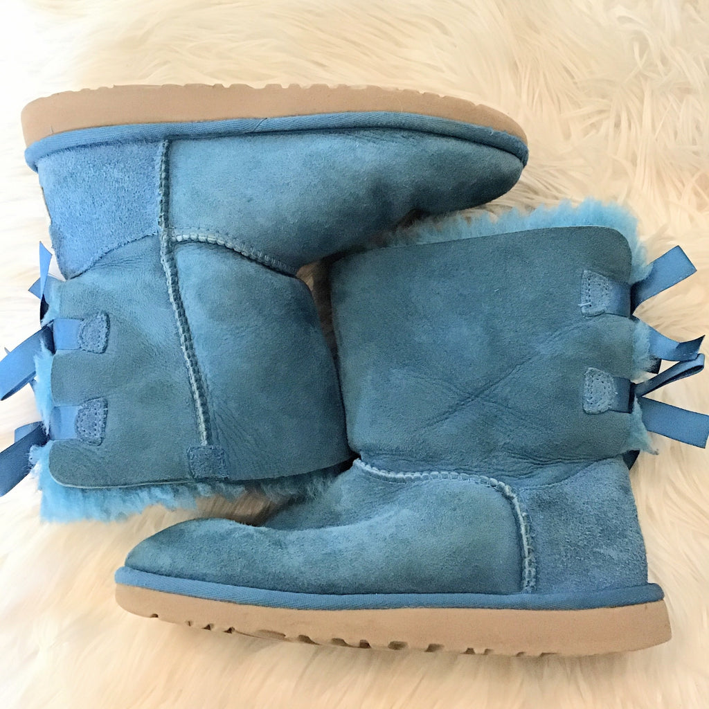UGG BAILEY BOW SIZE 6 Boots