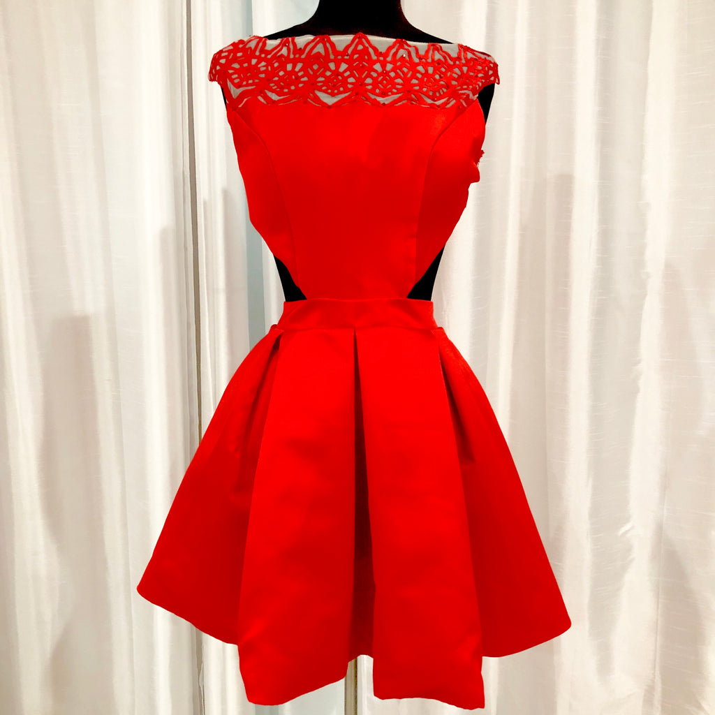 BOUTIQUE Short Red Gown Size 0