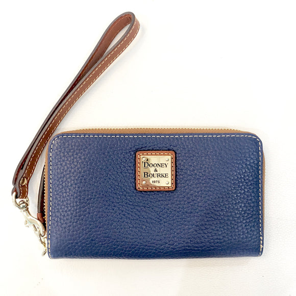DOONEY & BOURKE Navy Pebble Grain Zip Around Phone Wristlet