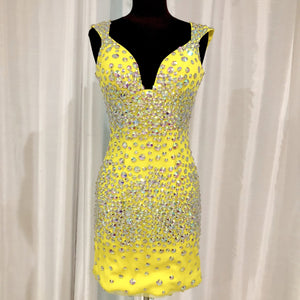 VIENNA Yellow Short Form Fitting Gown Size 2 NWOT
