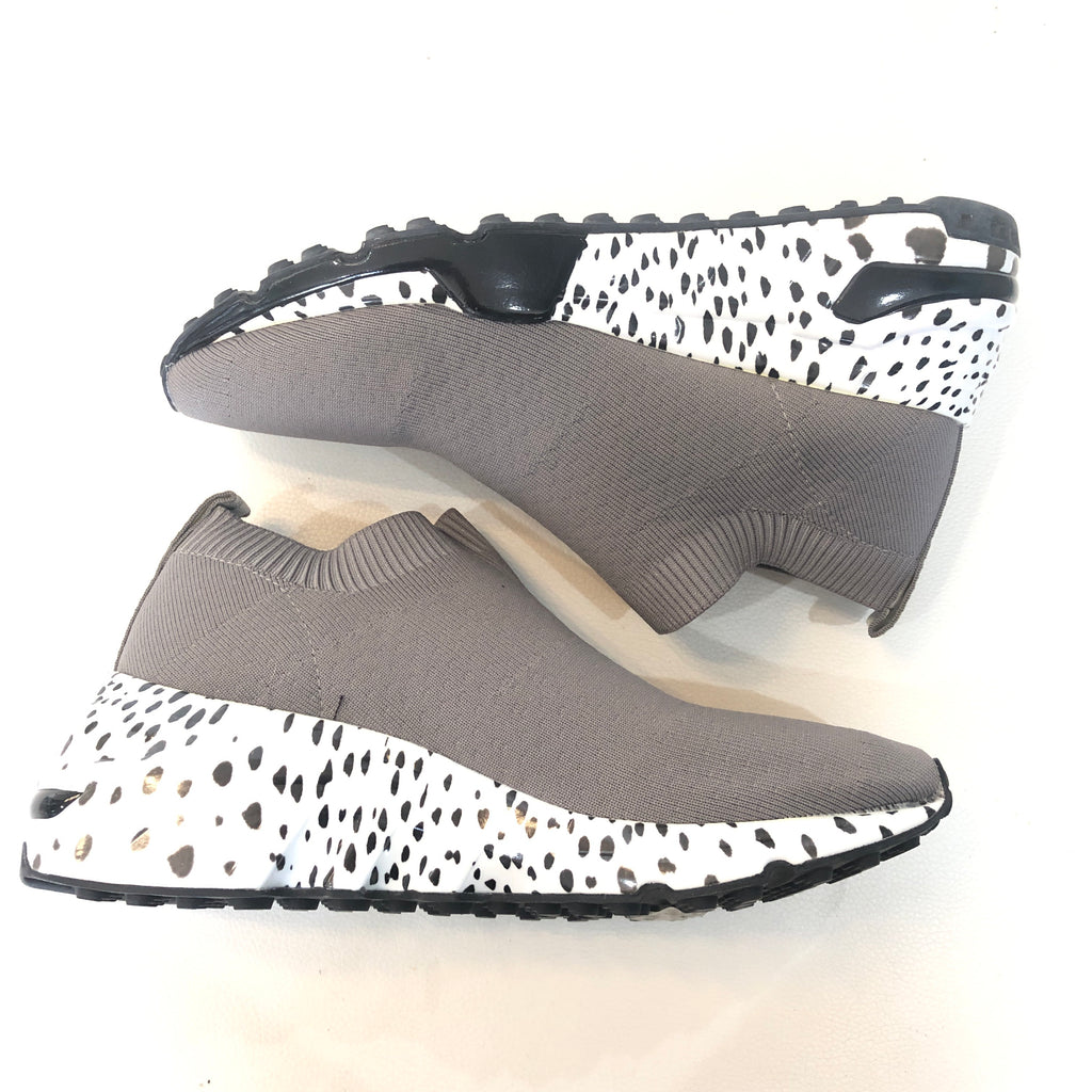 STEVE MADDEN Gray & Leopard Print FABS Size 6.5