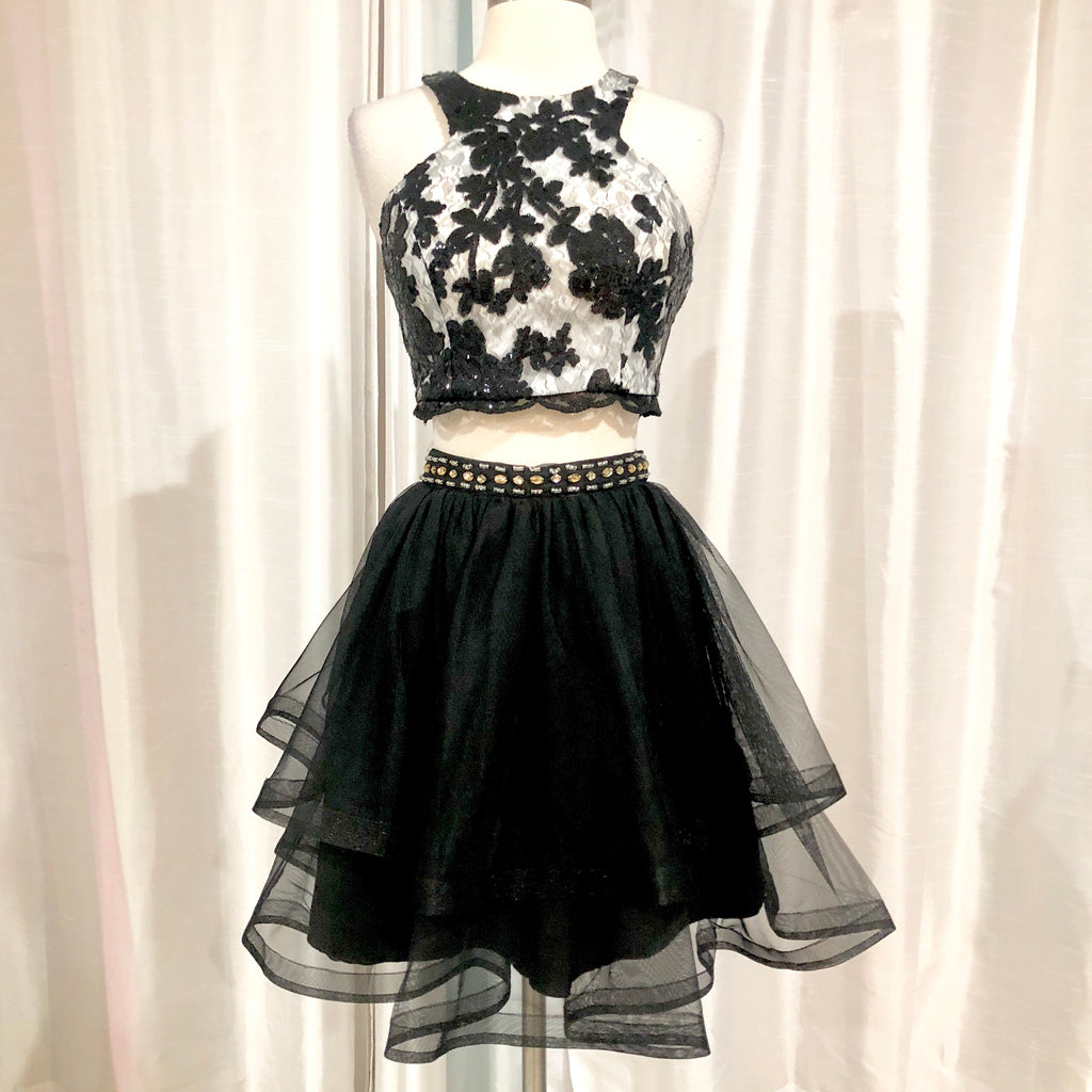 BOUTIQUE Short Black & White Two Piece Gown Size 5