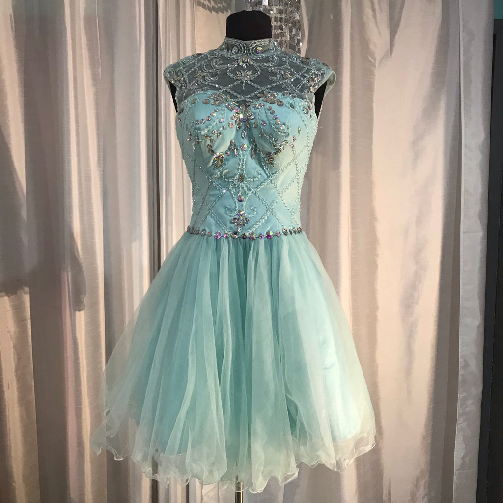 BOUTIQUE Short Light Blue Beaded Gown Size 4