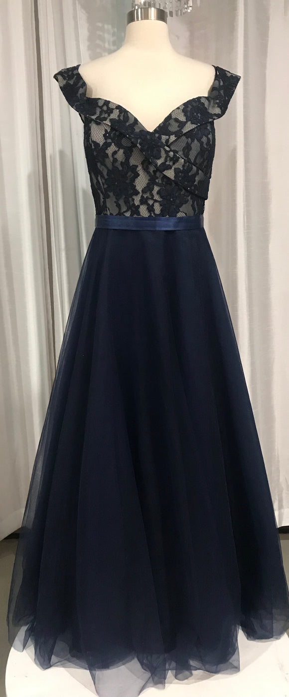 BOUTIQUE Navy Long A-Line Gown With Lace Detail Size 3X