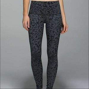 LULULEMON Wunder Under Leggings Pant Size 4 Cheetah