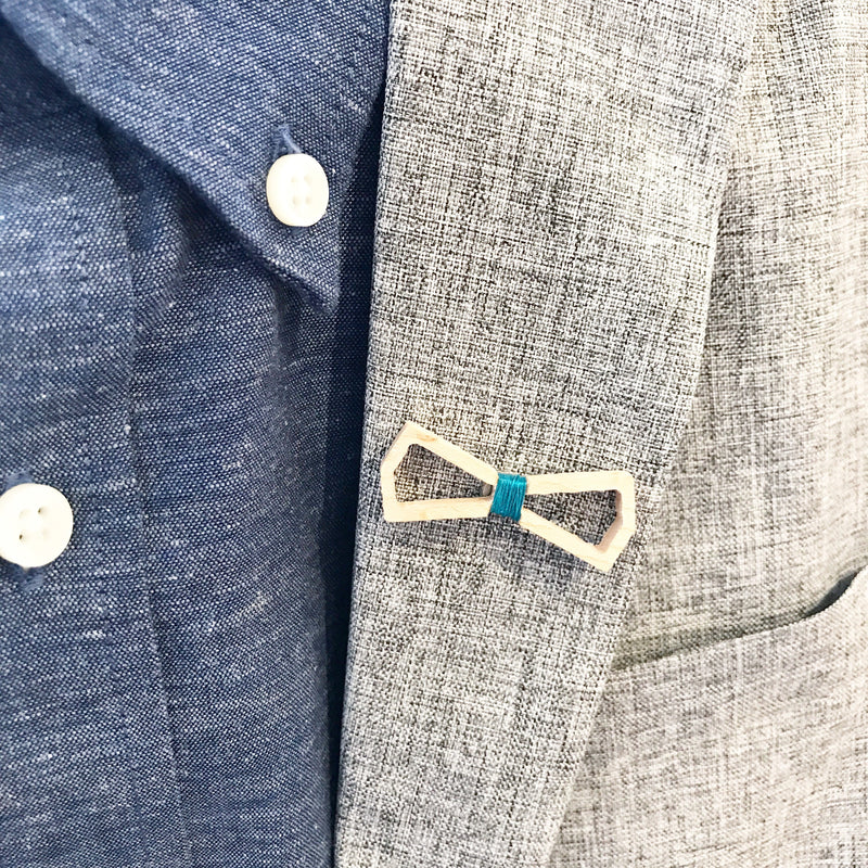 XÖ by Mansouri Parallel Dark (lapel pin)