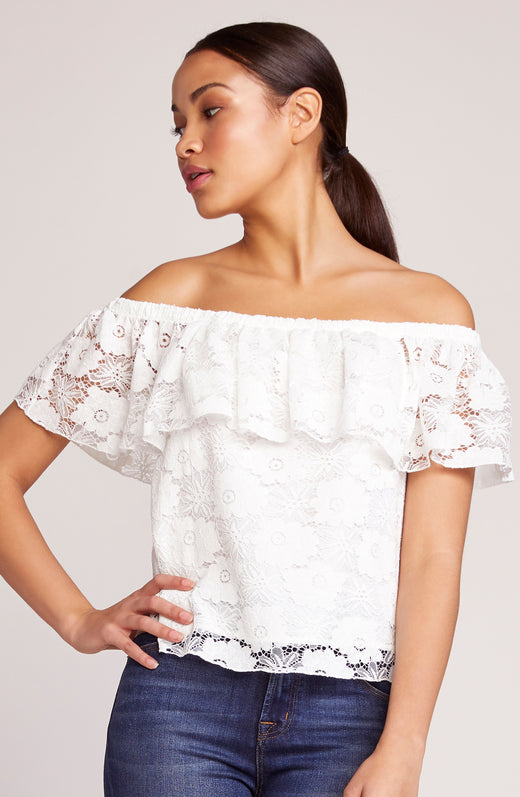 Shoulder Action Lace Blouse