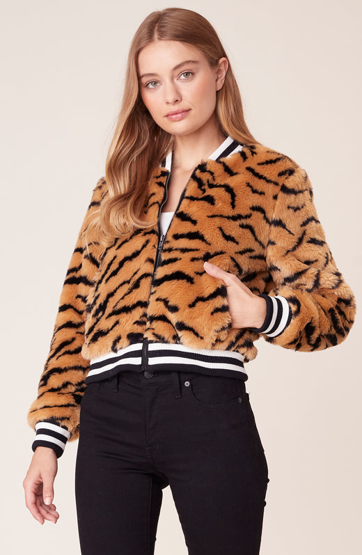 Front view of model wear tiger printed bomber jacket