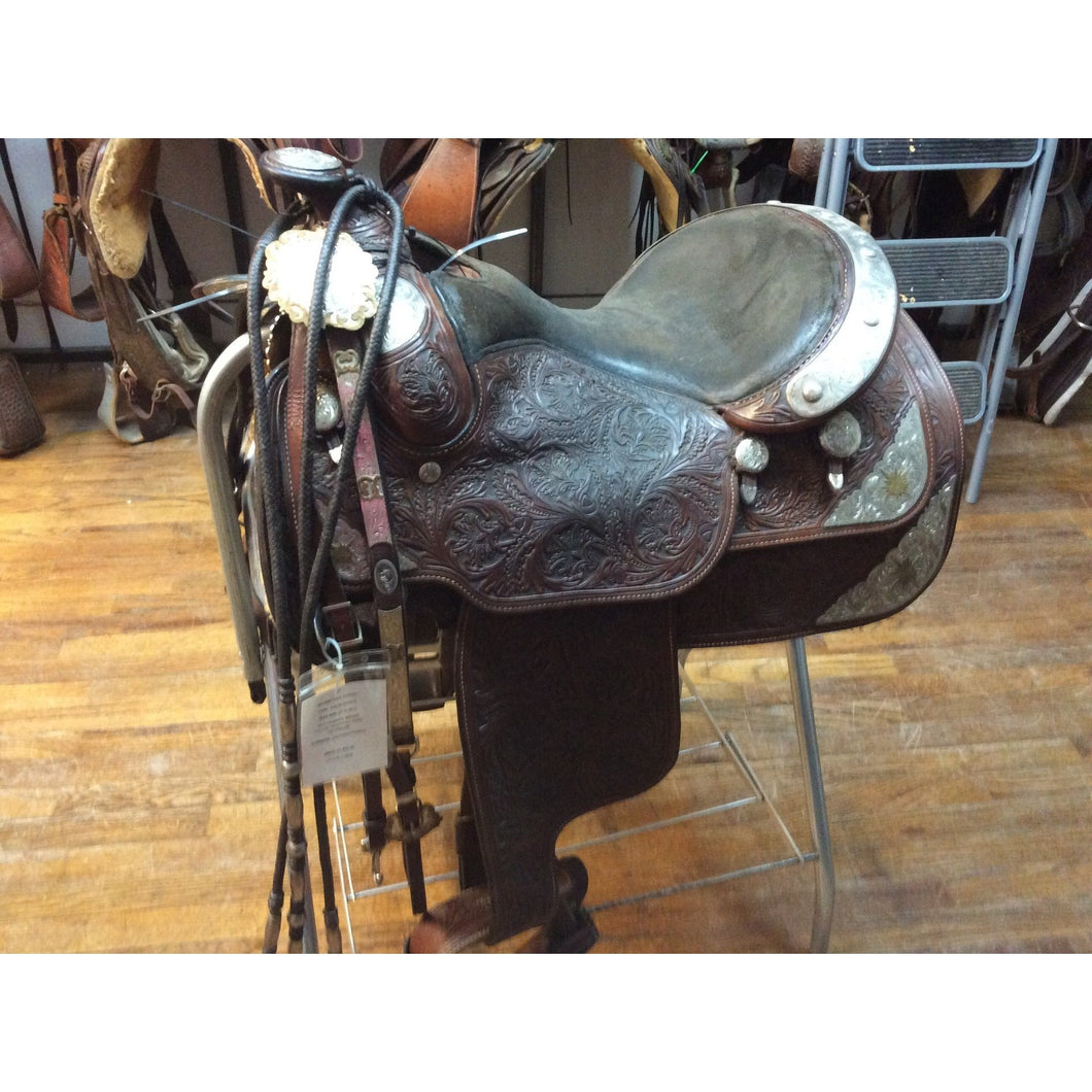 USED 15 1/2IN DALE CHAVEZ SHOW SADDLE CT3334