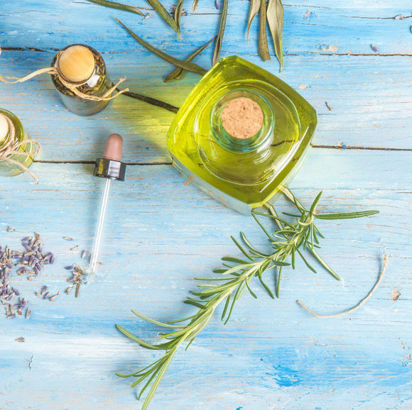 Herbal Infused Oils with Laura Ash at Scarlet Sage
