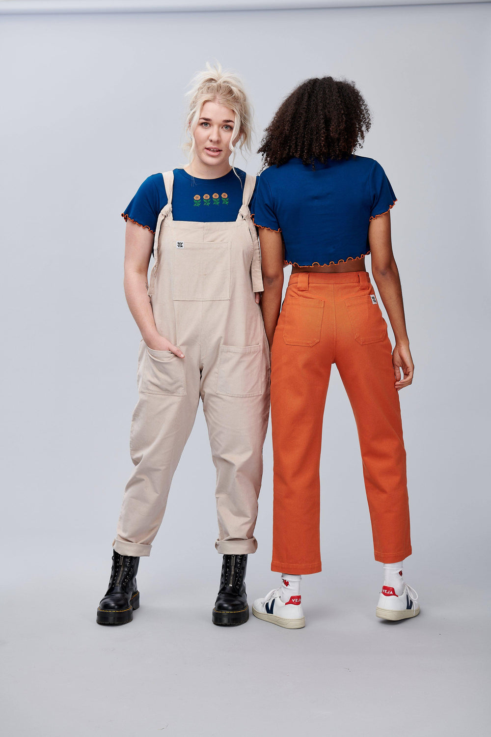 Lucy & Yak Tops 'Greta' Lettuce Hem Sunflower Cropped Tee in Navy