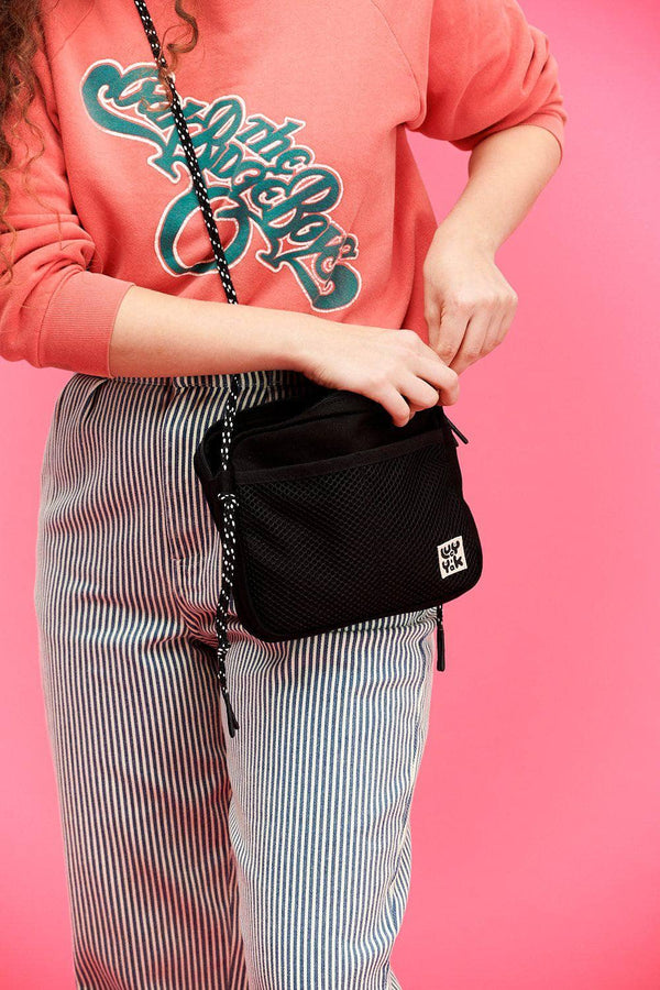 Lucy & Yak Bag Dara Cross Body Bag In Black