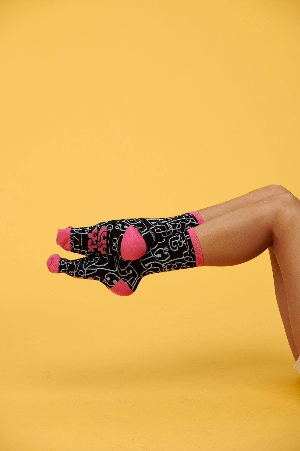 Lucy & Yak Socks Squiggle Calf Socks In Black & White With Pink Edge