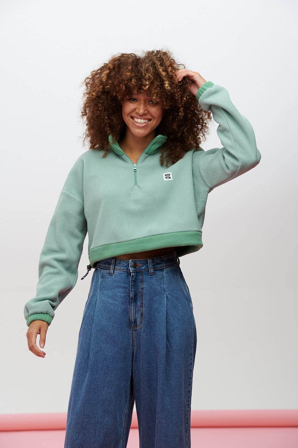 Lucy & Yak Polar Fleece Blake Recycled Cosy Cropped Fleece In Sage Green