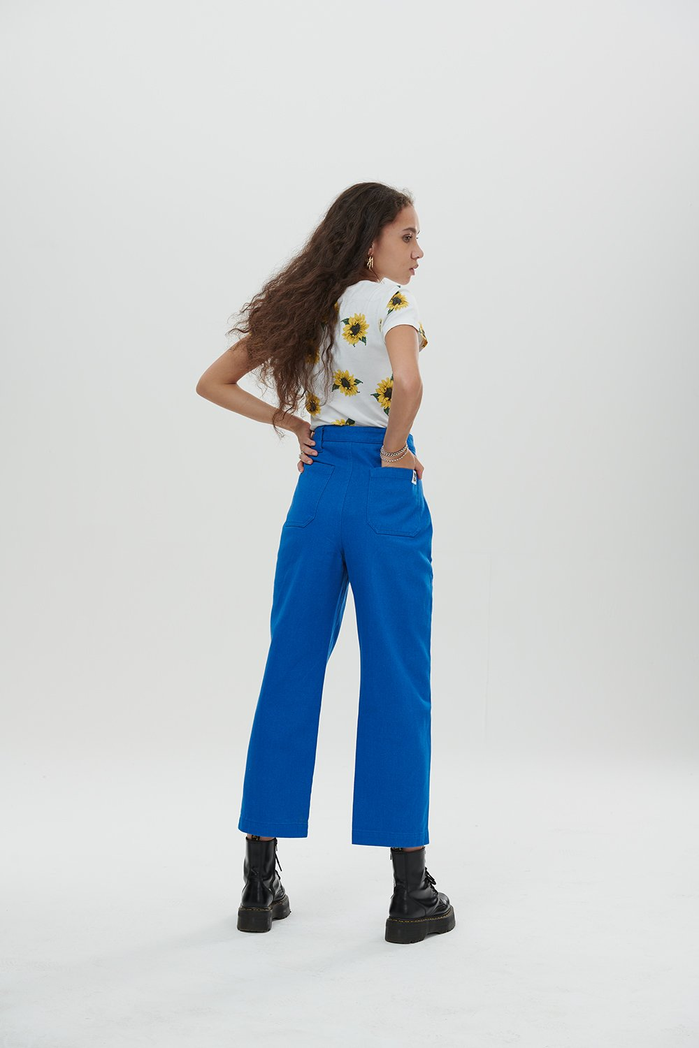 Lucy & Yak trousers 'Logan' Mid Rise Cargo Pants In Cobalt Blue