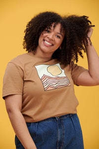 Lucy & Yak TOP Lodi - Stanley Stella Shaped Tee With Dusted Clay Print