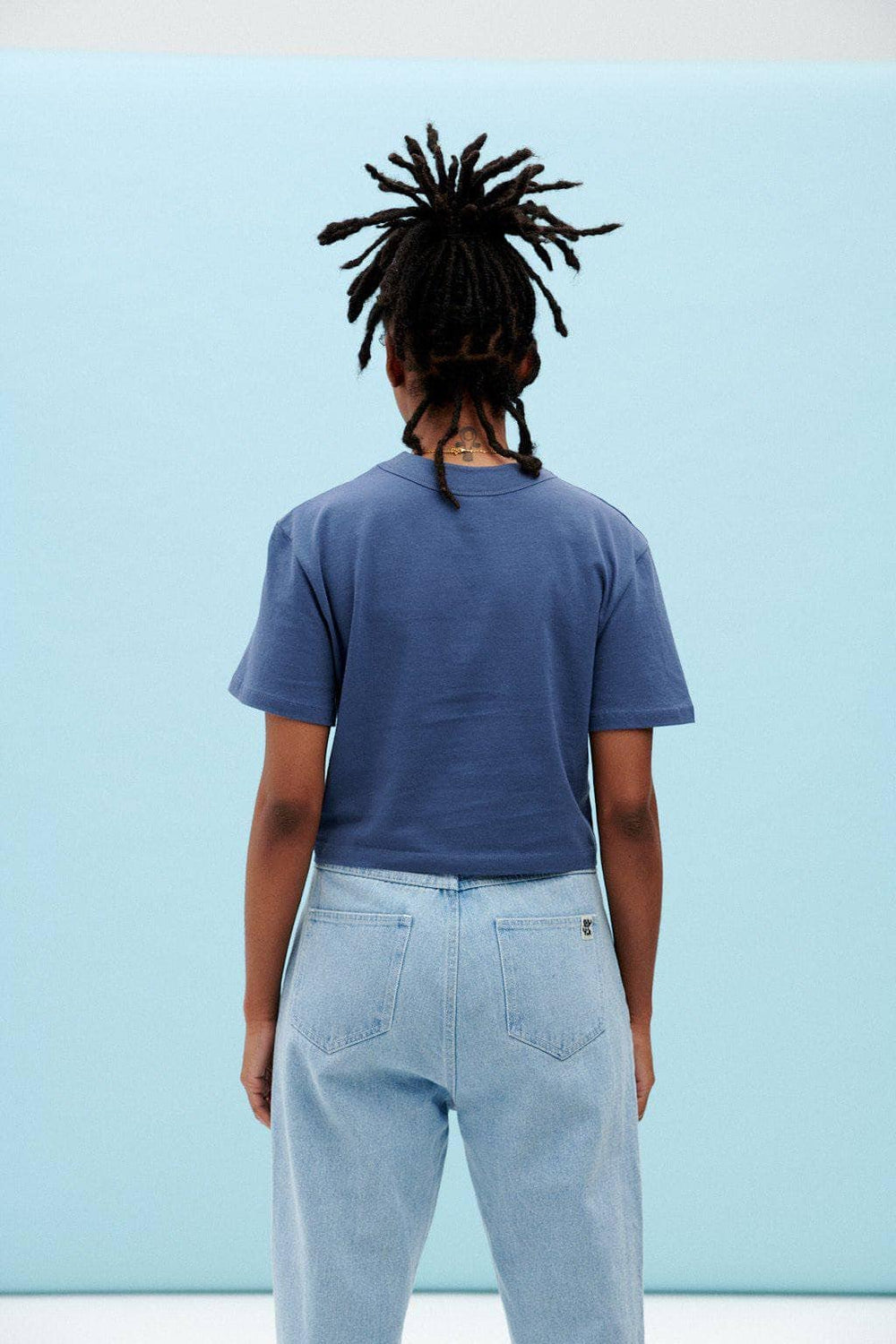 Lucy & Yak Tops Zola Organic Cotton Boxy Tee in Navy Peony
