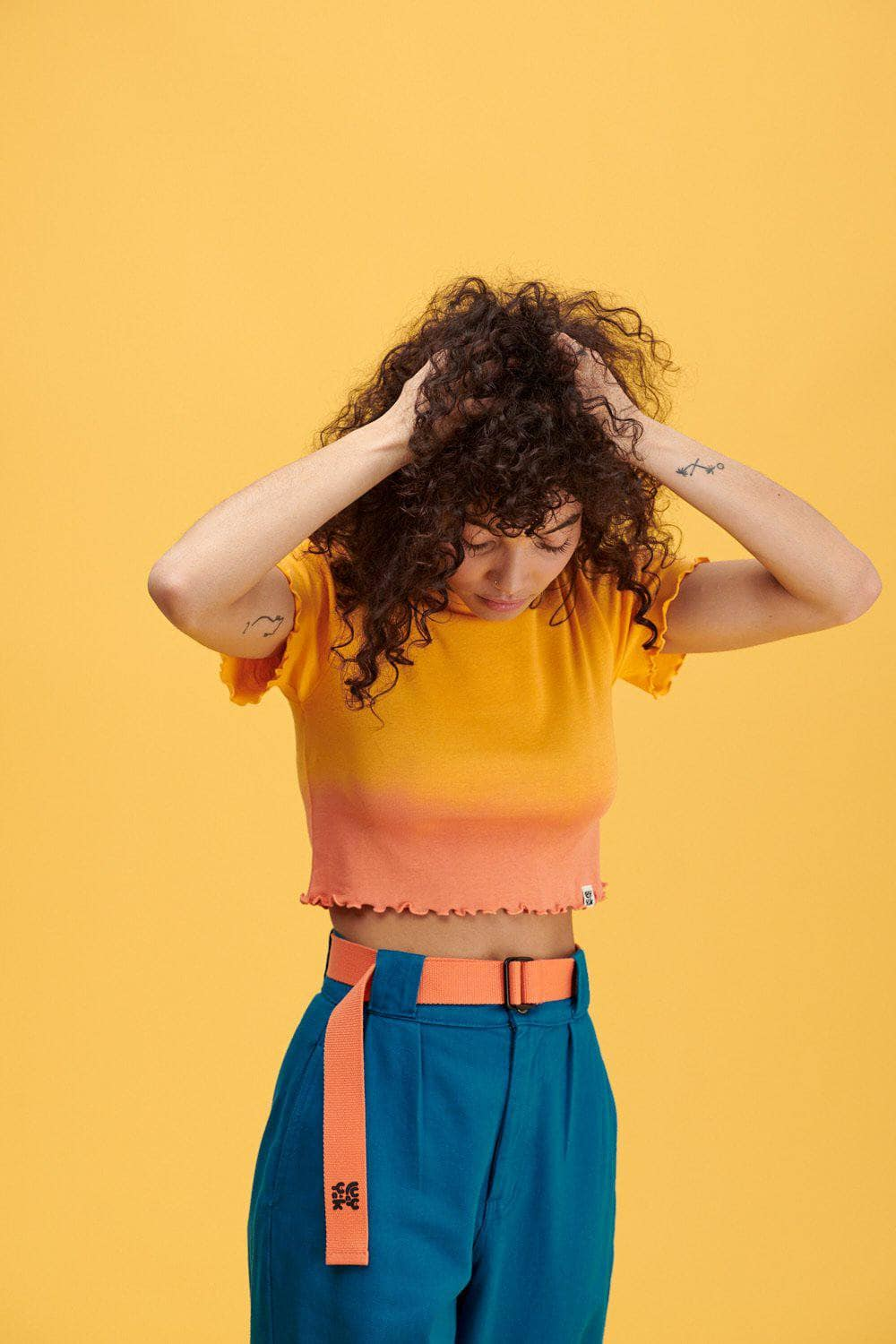 Lucy & Yak Tops Greta Cropped Lettuce Edge Tee in Artisans Gold & Melon Ombre