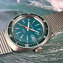 MINTY~HUNTER GREEN DIAL 70s WALTHAM DIVER~SIGNED 4X