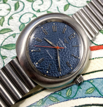 CHUNKY~1970s WITTNAUER HAMMERED BLUE DIAL AUTOMATIC