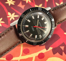 SHARP~60s WALTHAM SKIN-DIVER~SIGNED 4X