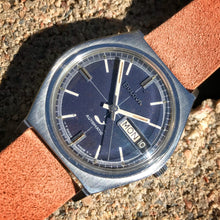 MIDNIGHT BLUE~1969 BULOVA SEAKING DAY/DATE AUTO