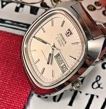 CHUNKY~MINT 1970s OMEGA F300HZ CHRONOMETER. SIGNED 6X