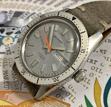 SHARP~LATE 60s WALTHAM DAY/DATE DIVER~SERVICED