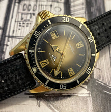 70s Gold Witty Diver