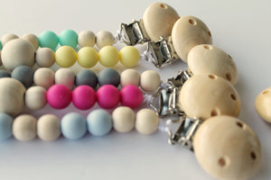 Silicon & Wood Circle Pacifier Clips