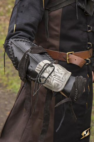 Dark Elf Right Arm Bracer