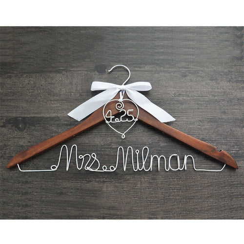 Hanger with heart and date for your wedding, wedding hanger, personalized bridal hanger,bow wedding dress hanger, shower gifts