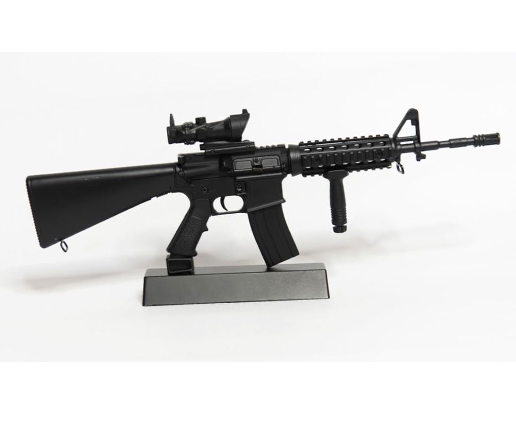 miniature black M16 rifle replica