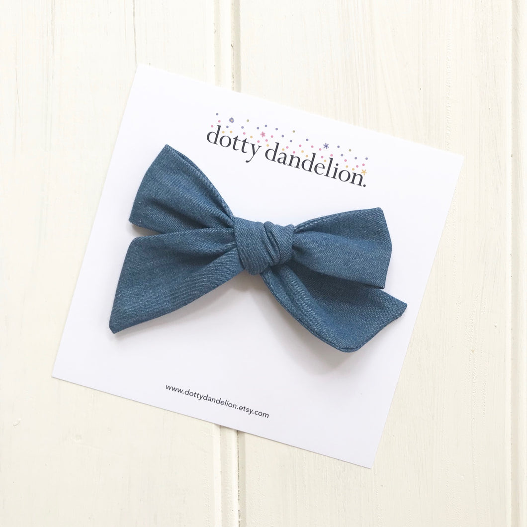Chambray Classic Bow Clip