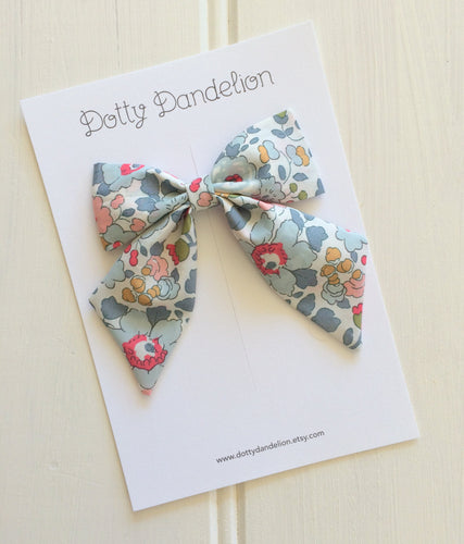 'Betsy' Liberty Party Bow