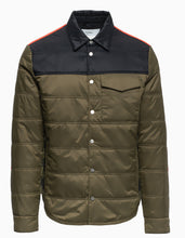 Load image into Gallery viewer, men Loge Peak Quilted Shirt - Green
