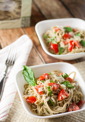 Quick Fresh Tomato and Goat Cheese Pasta