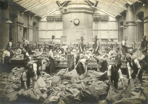 Sorting Mail in the First World War