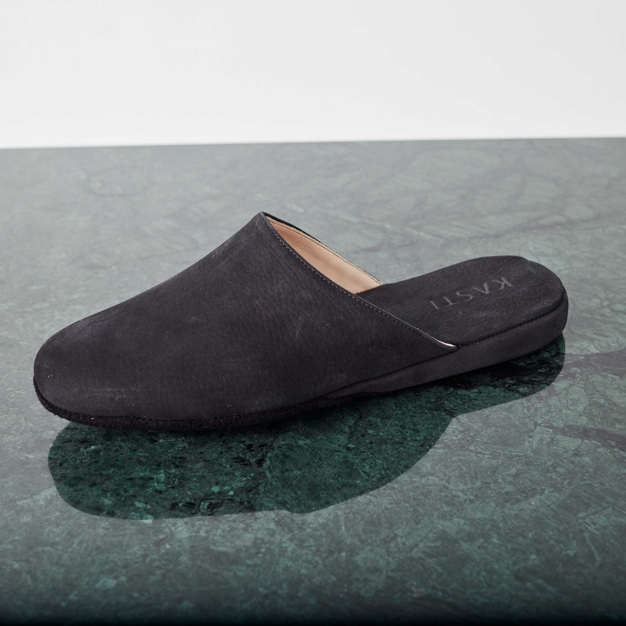 MARS Nubuck leather slipper black