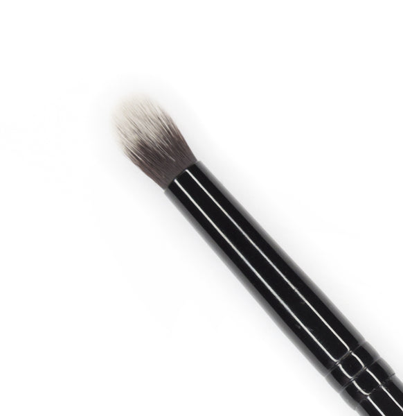 Crease & Define Brush