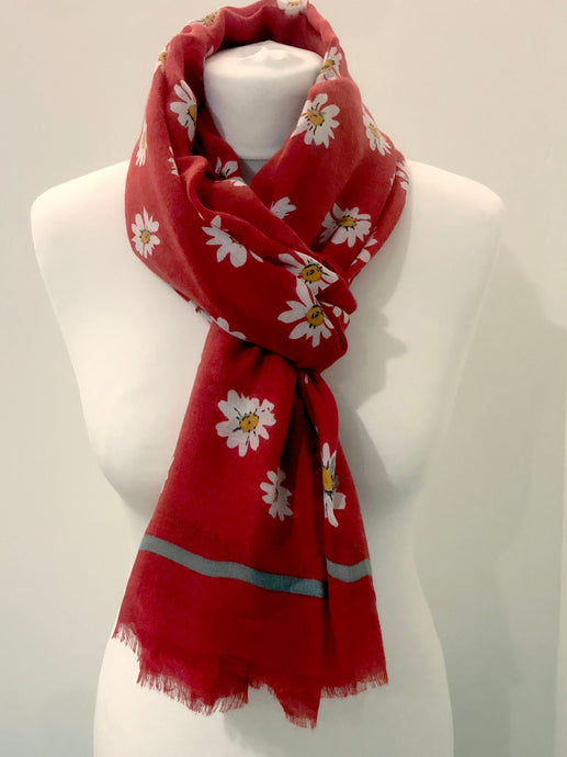 Red Daisy Scarf