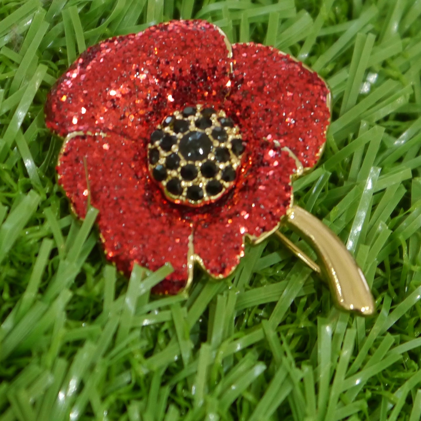 Glitter Poppy Brooch