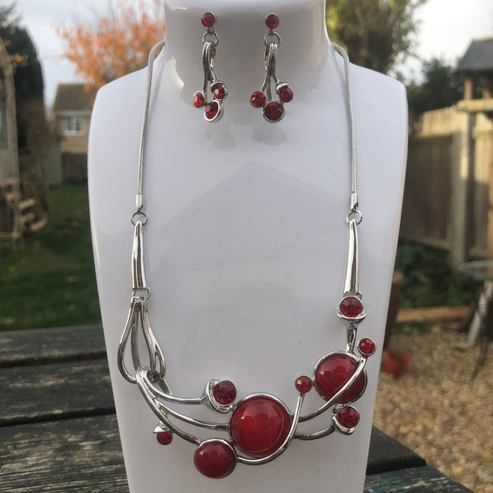 Red Berry Necklace Set