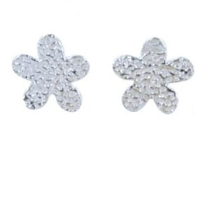 Silver cute daisy stud earrings