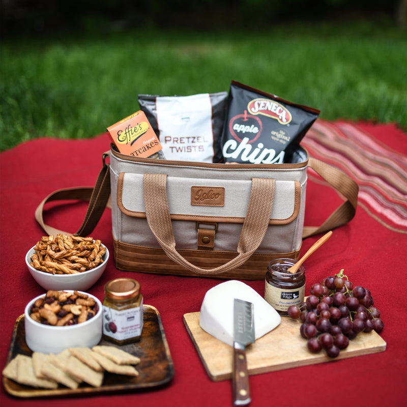 Igloo® Legacy Everything but the Cheese Gift Set With Knife